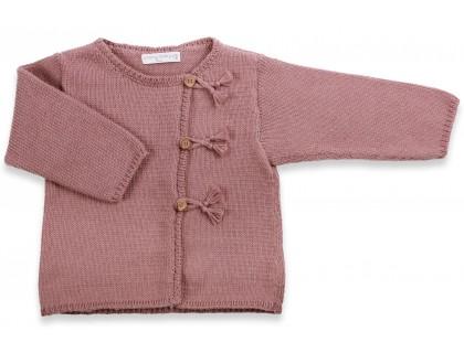 Gilet bébé taupe en coton et cachemire avec boutons bois tricoté en point jersey