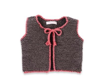 Gilet bébé gris anthracite et rose en 100% laine, sans manche. Pour filles.