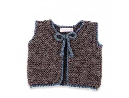 Gilet bébé gris anthracite et bleu en 100% laine, sans manche.