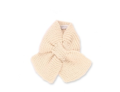 Mamy Factory baby scarf. Natural white color, hand-knitted, made from 100% wool