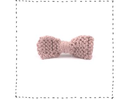 Barrette noeud tricotée mauve poudré