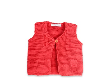 les tricots de mamy gilet b b sans manches corail tricot en point mousse ferm par un. Black Bedroom Furniture Sets. Home Design Ideas