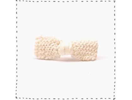 Barrette noeud tricotée ivoire coton bébé et enfant