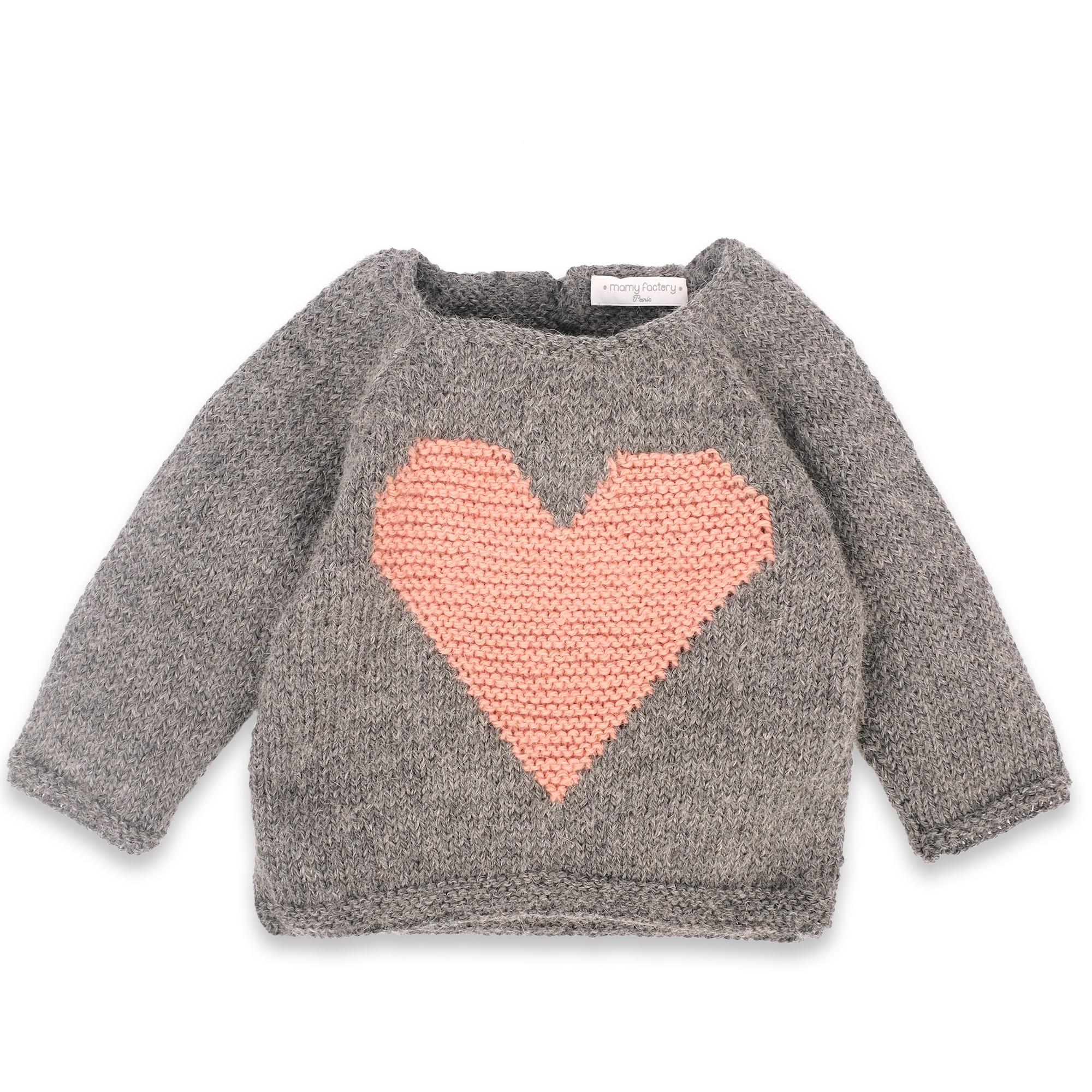 les tricots de mamy pull b b doux et moelleux en laine et alpaga avec un gros coeur rose sur. Black Bedroom Furniture Sets. Home Design Ideas