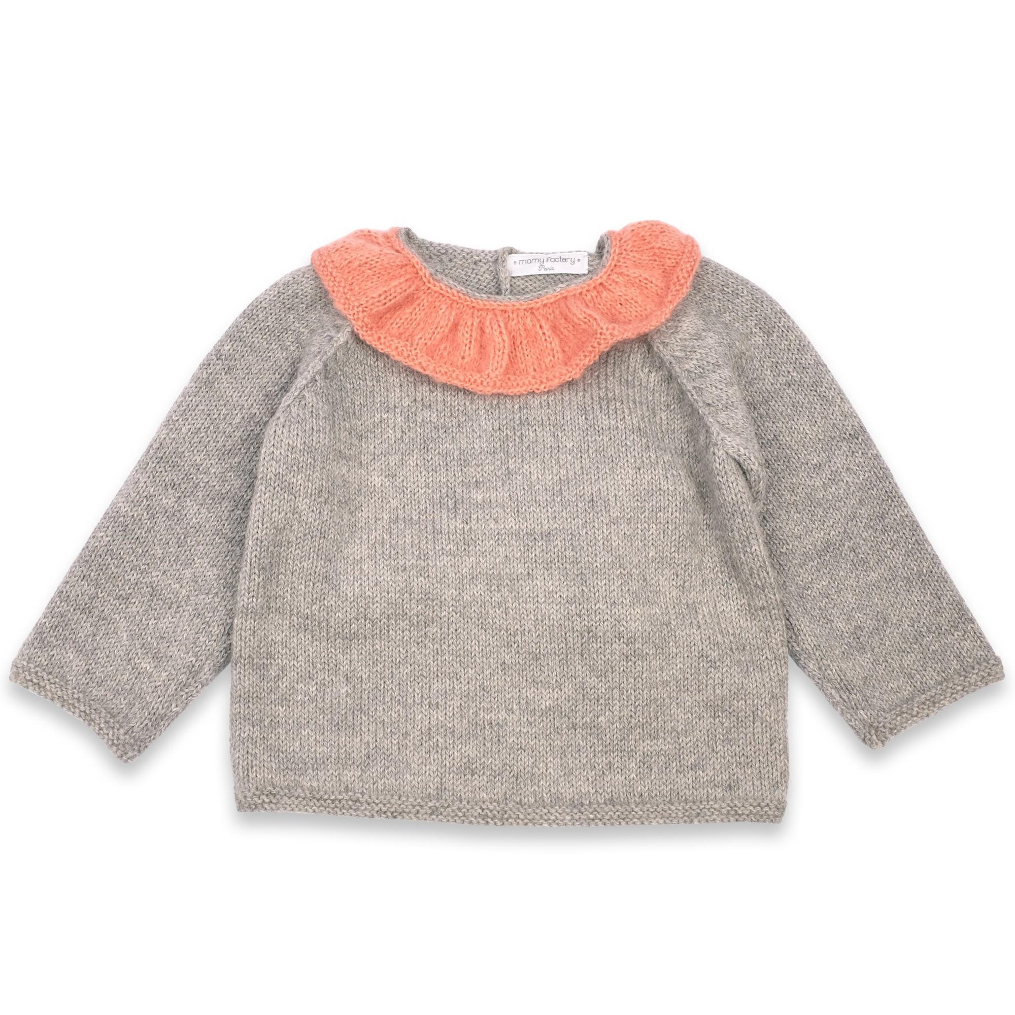 les tricots de mamy pull enfant fille gris clair avec joli col effet volant de couleur vieux. Black Bedroom Furniture Sets. Home Design Ideas