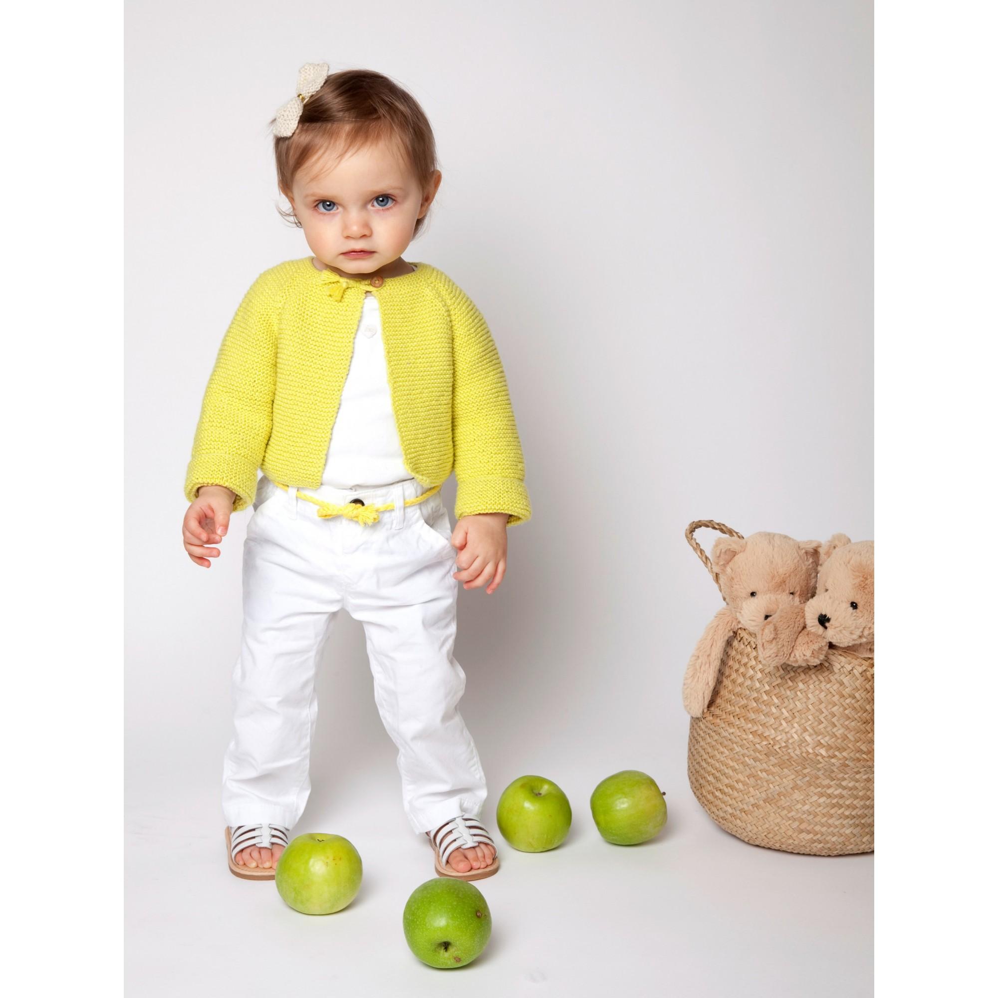 Gilet bébé tricoté par nos mamies en laine coton & cachemire.