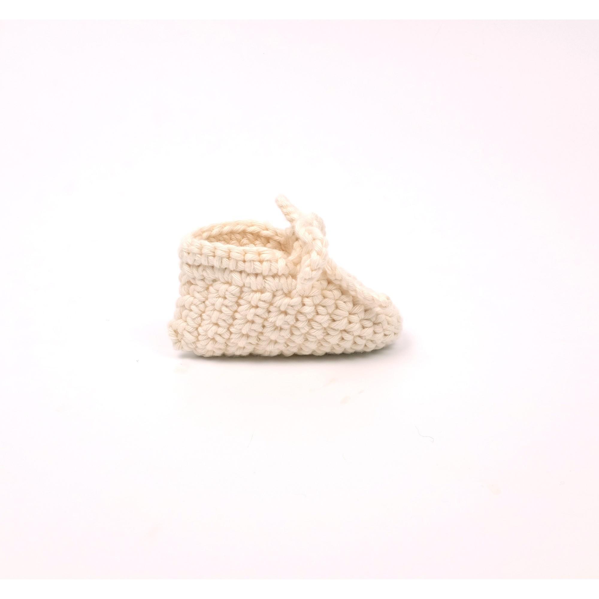 Chausson Raymond pour bébé en coton - coloris écru de profil