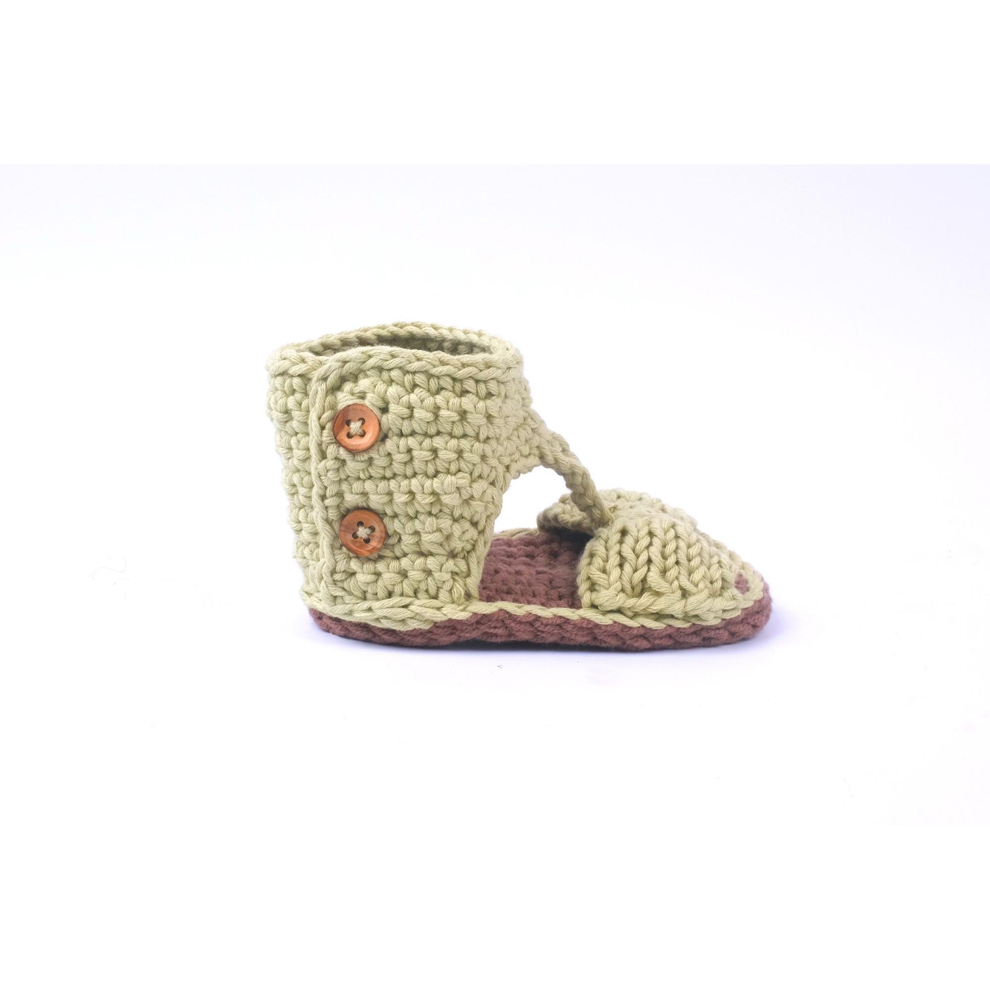 Sandale Jeannette verte tricotée pour bébé - vue de profil