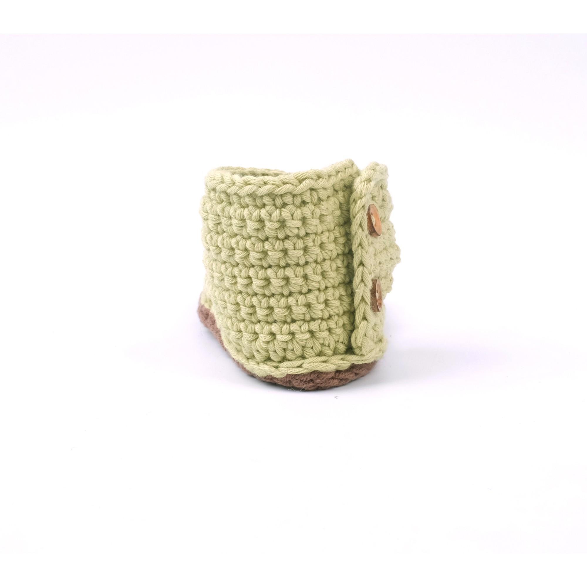 Sandale Jeannette verte tricotée pour bébé - vue de derrière