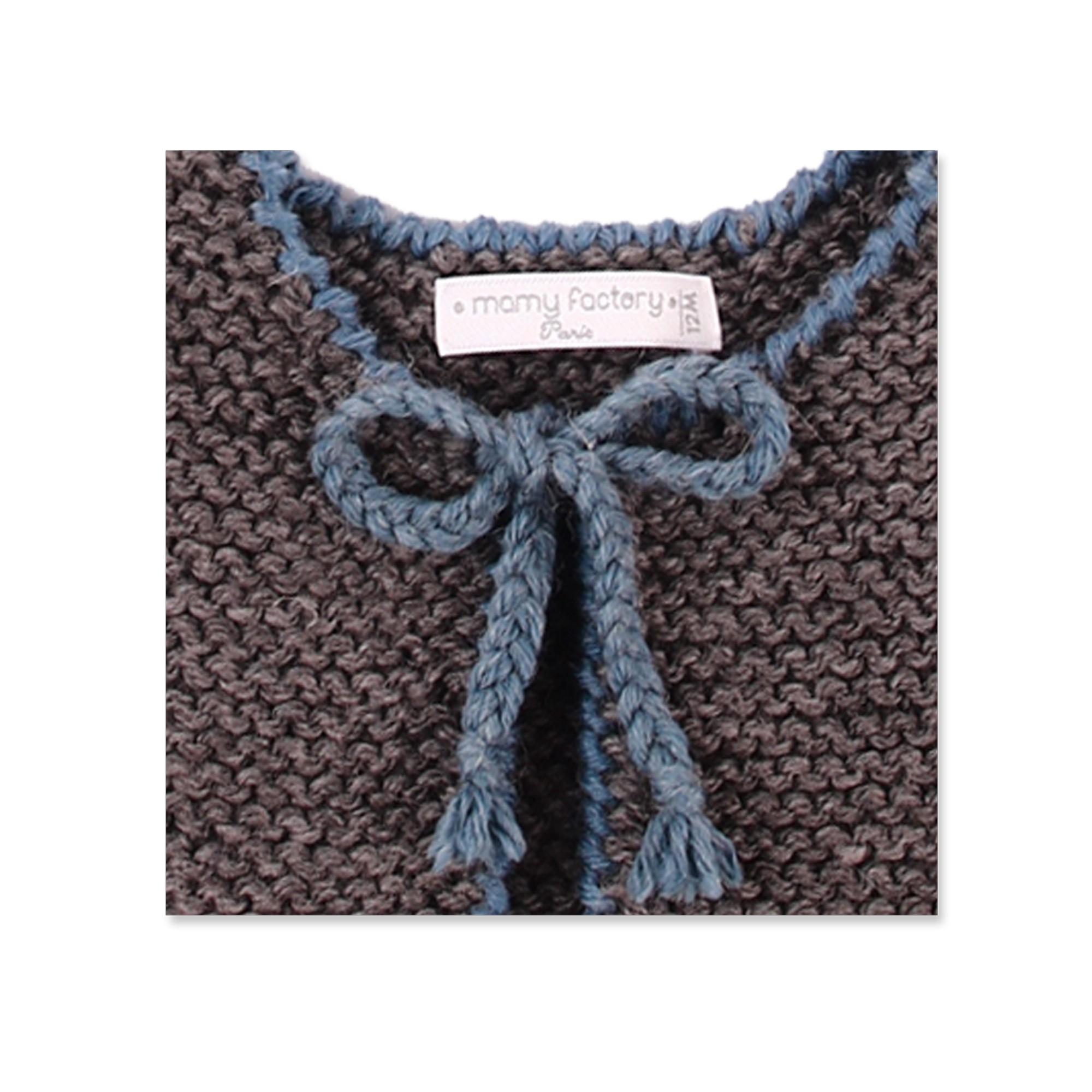 les tricots de mamy gilet enfant sans manche gris avec bordures au crochet bleu p trole 100. Black Bedroom Furniture Sets. Home Design Ideas