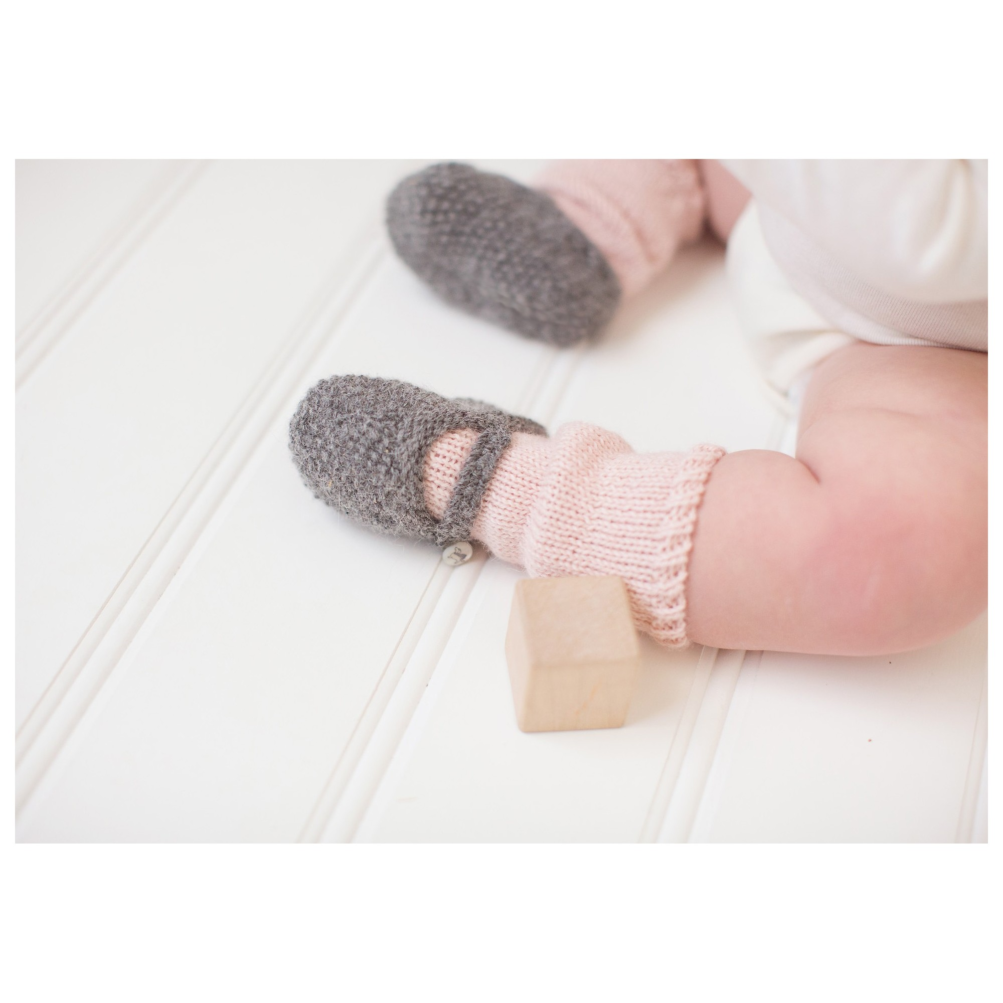 Suzon slippers on baby feet