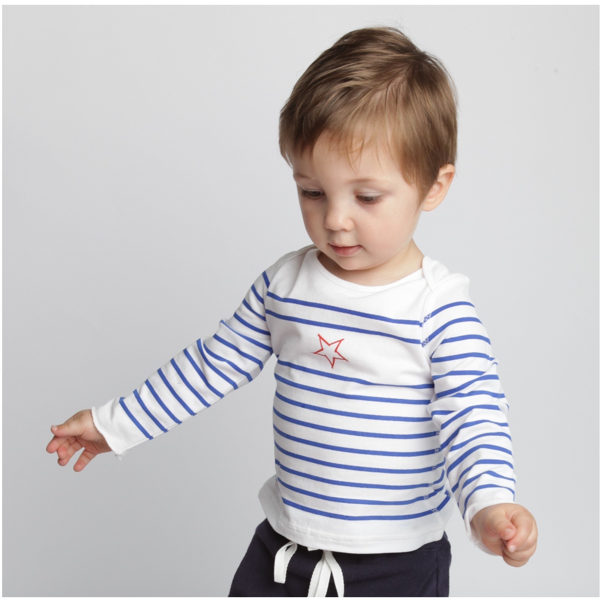 Long sleeves baby T-Shirt with blue stripes and red star 100% soft cotton with navy bleu baby jogging