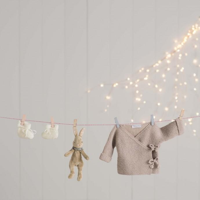 Chaussons bébé beige tricotés main en mérinos par nos mamies e354f61017f