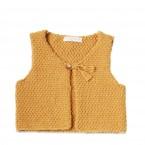 Gilet de berger bébé jaune en laine et alpaga avec bouton bois