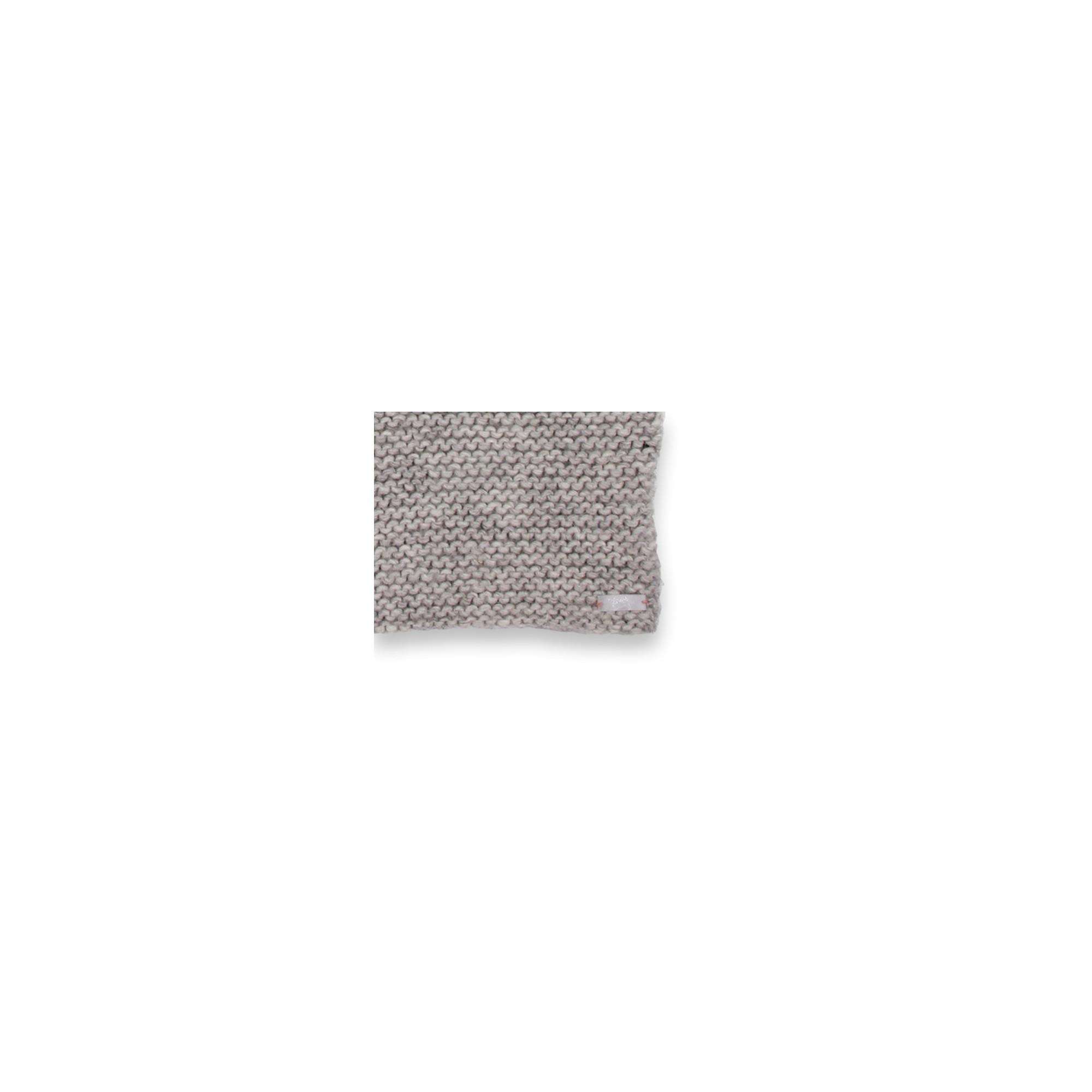 Cape bébé gris, au point mousse, en laine et alpaga - détail