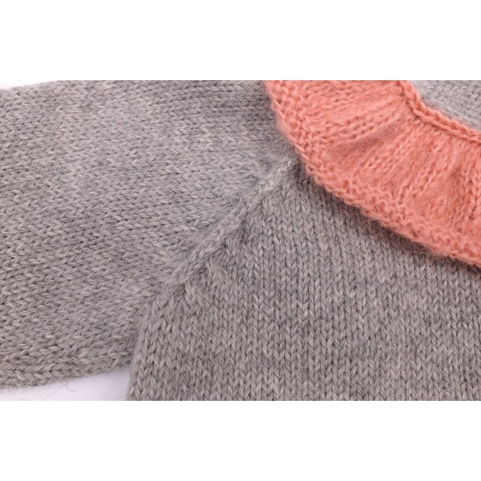 Pierre sweater grey and pink made from alpaca detail 2