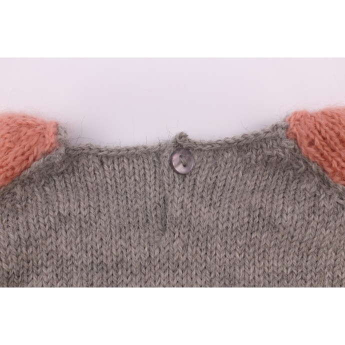 Pierre sweater grey and pink made from alpaca detail 3