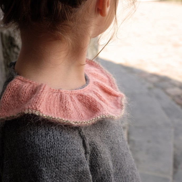 Pierre baby sweater grey with pink collar aplaca