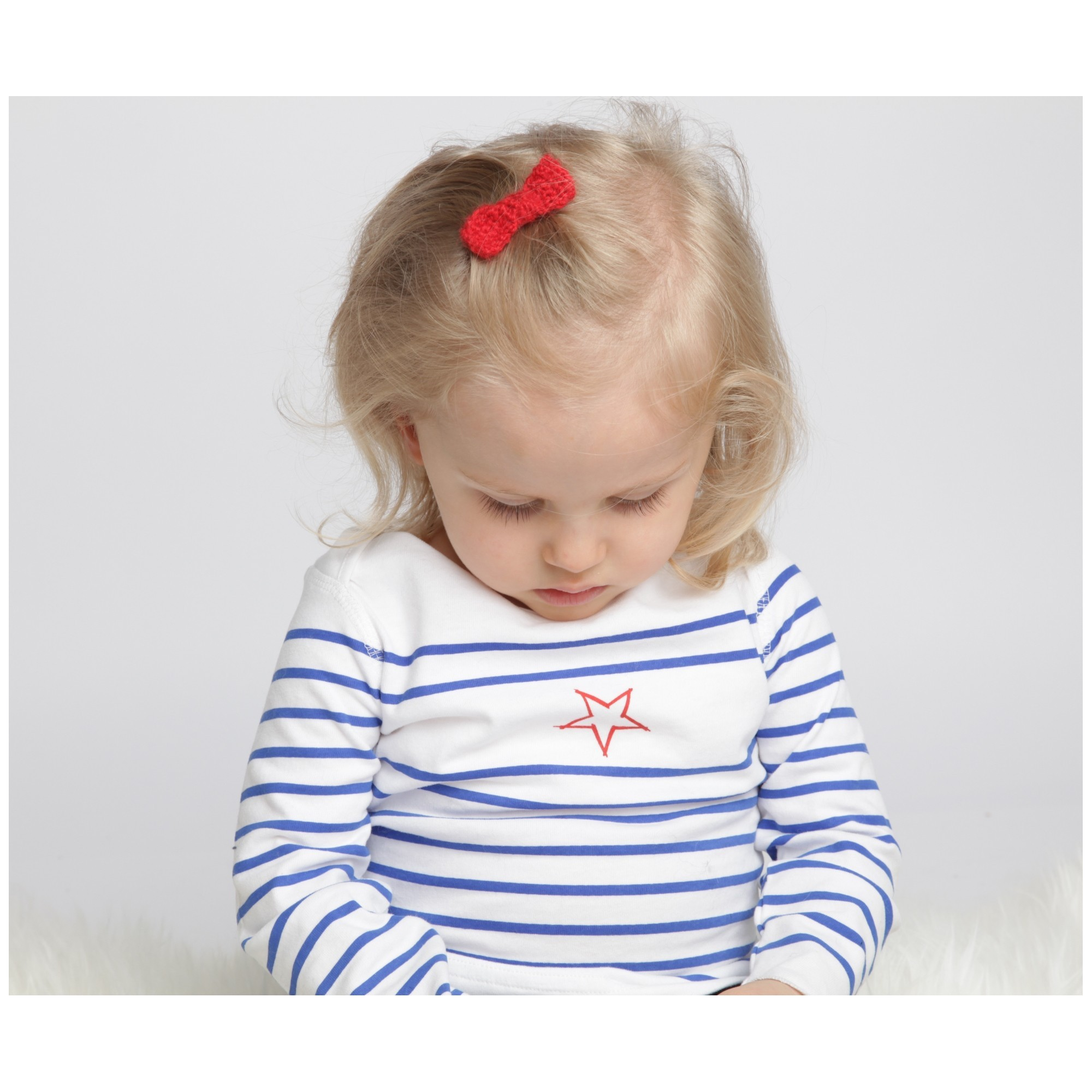 Long sleeves baby T-Shirt with blue stripes and red star 100% soft cotton with alpaca red hair clip